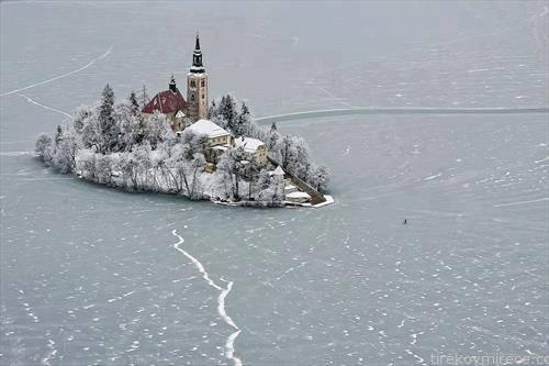 езерото Блед замрзнато