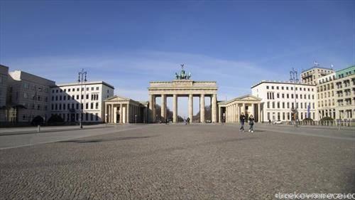 Бранденбуршката порта во Берлин е празно