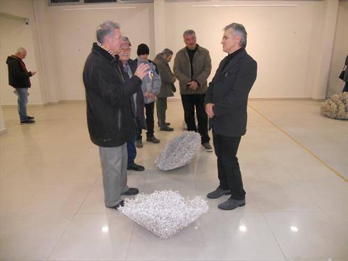 Во Велес отворена изложба инсталација од трња