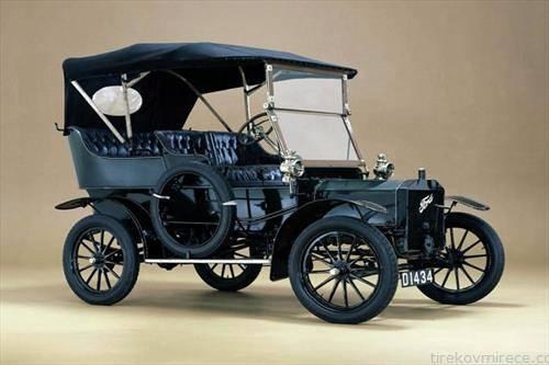 Форд Модел Т автомобил